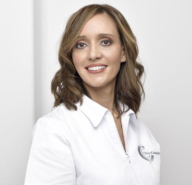 Doctora Begoña Fraile clinica Castelo dentista