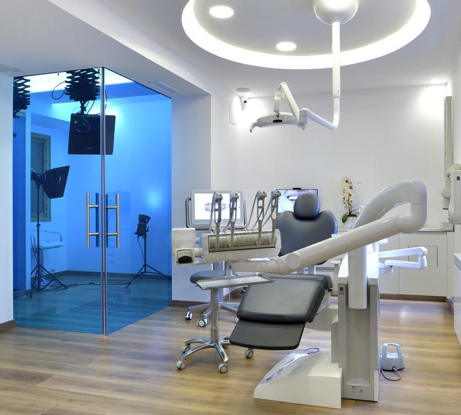 Ortodoncia sin dolor cuidado especiales Clínica Castelo